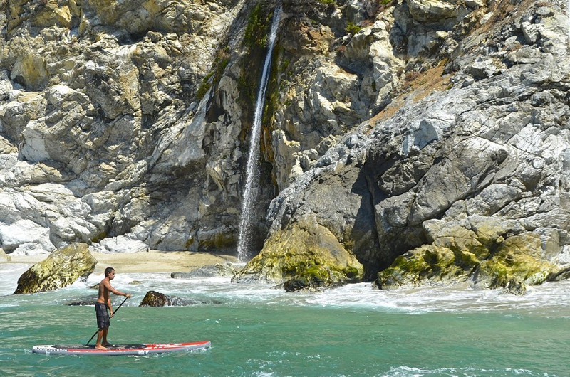 """ISLE Airtech 12'6"""" inflatable stand up paddle board review"""